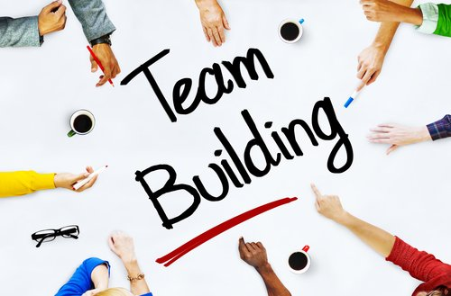 6 Quick Team Building Activities To Pump Up Employee Performance